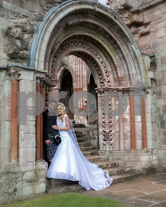 230_Helen_Mick_Dryburgh_Abbey_Parris_Photography
