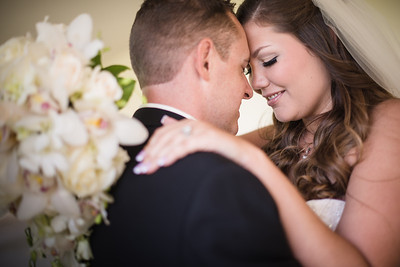 """""""Amanda did an amazing job! From the start with my engagement photos, to my big day! <br /> <br /> Her shots were unique and classy, and I couldn't be more happy with the end product. Highly recommend!""""<br /> <br /> -Katherine V."""