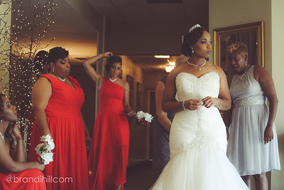 Tyla prepares with her bridesmaids.