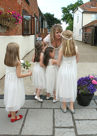 Flowergirls with the bride at Dairy Barns