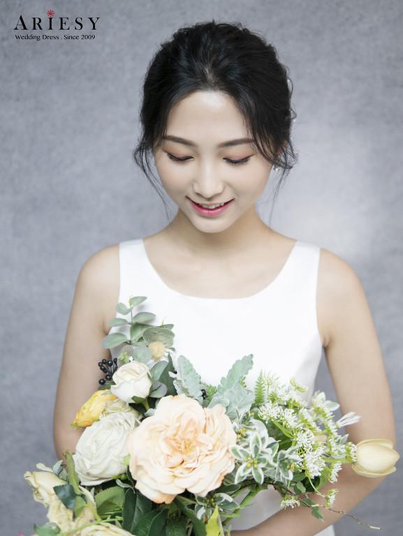 宴客禮服,禮服出租,緞面白紗,美式婚禮,戶外證婚,新秘Ariesy團隊