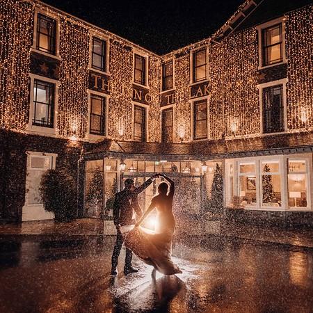 Christmas Wedding Photos at Inn on The Lake. Inn on the Lake Wedding Photographer