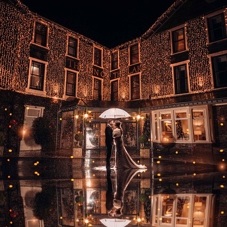 Christmas Wedding Photos at Inn on The Lake. Magical wedding Photos