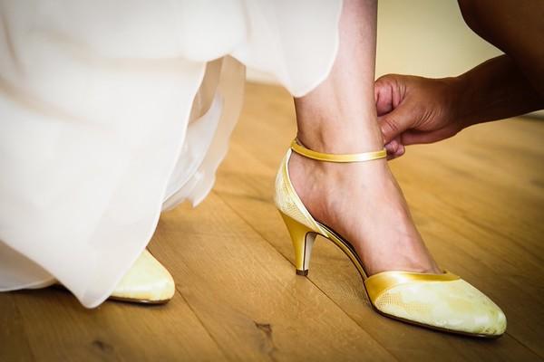 Schuhe an!