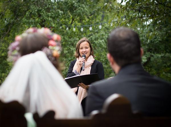 freie Trauung in der Hochzeitslocation Schmetterlingsgarten