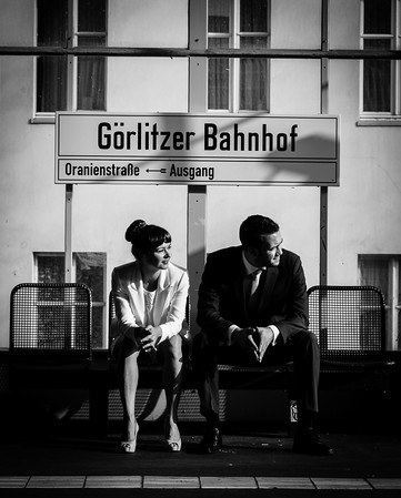 portrait of the bride and groom at Görlitzer Bahnhof in Berlin Kreuzberg