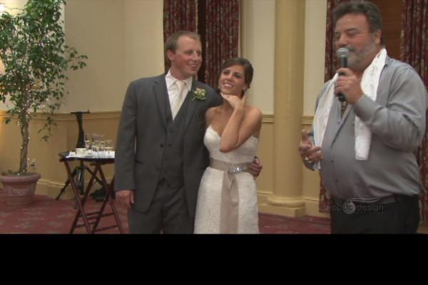 Elvis has entered the wedding