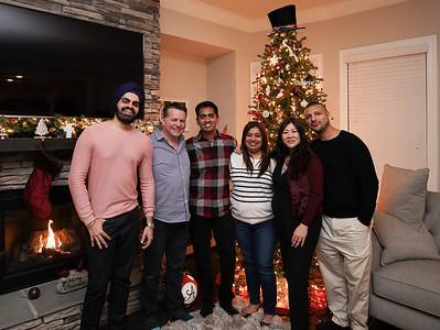 2018-Friendsgiving-09667