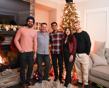 2018-Friendsgiving-09666