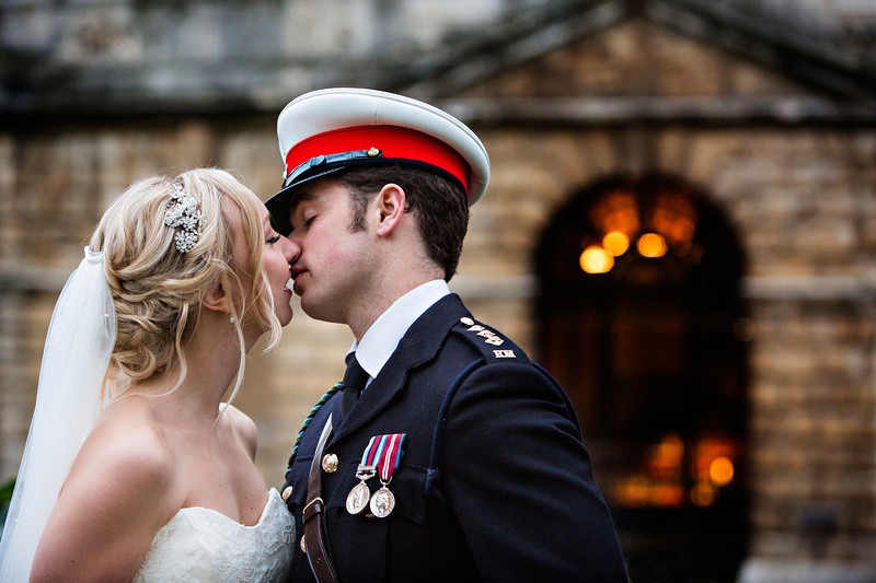 Kiss in front of Radcliffe Camera Oxford
