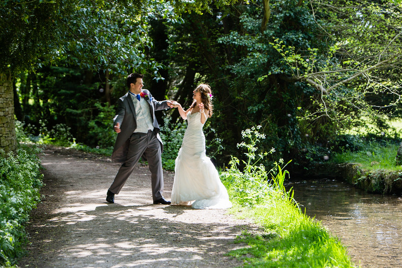 Lower Slaughter Cotswold wedding dance
