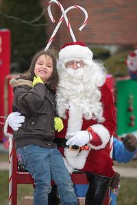 Santa in the park 2015-033