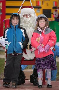 Santa in the park 2015-039