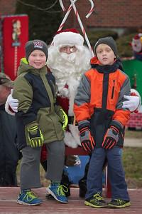 Santa in the park 2015-048