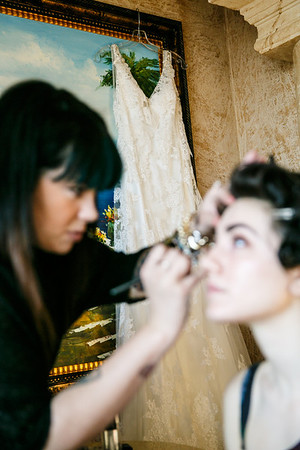 Adriana&John-GettingReady-02