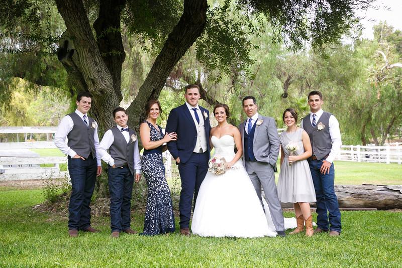 Adrianna&Matt-FamilyPortraits-002
