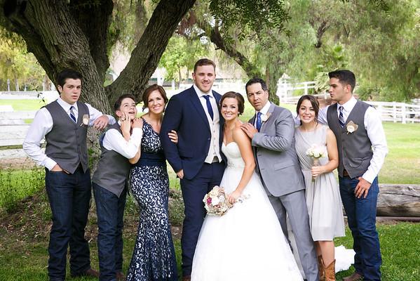 Adrianna&Matt-FamilyPortraits-004