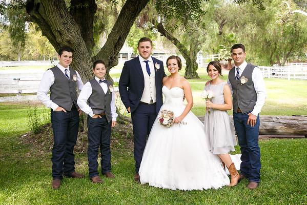 Adrianna&Matt-FamilyPortraits-012