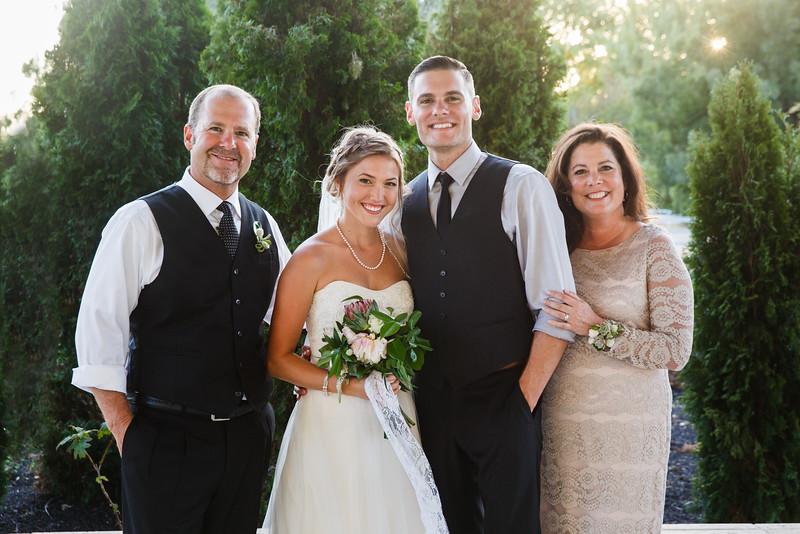 Bridget&James-FamilyPortraits-012