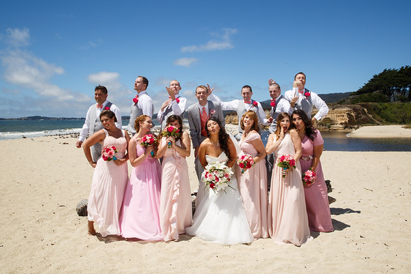 Jessica&Jonathan-BeachGroupPortraits-009