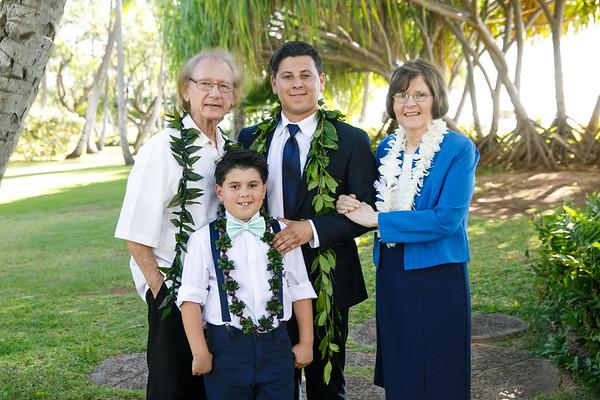 Kaitlun&Caleb-FamilyPortraits-004