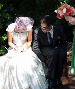 Nicolette&Mark-Bride'sSet-031