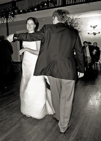 Reception_First Dances_Leslie-Dawson