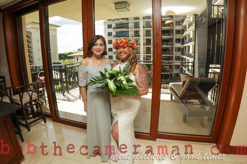 H08A2968-Carinna and Efigenio wedding-Paradise Cove-Oahu-Hawaii-July 2019
