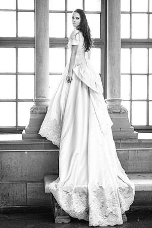 model Magdalena Andruszkiewicz wedding dress Atelier Wypożyczalnia