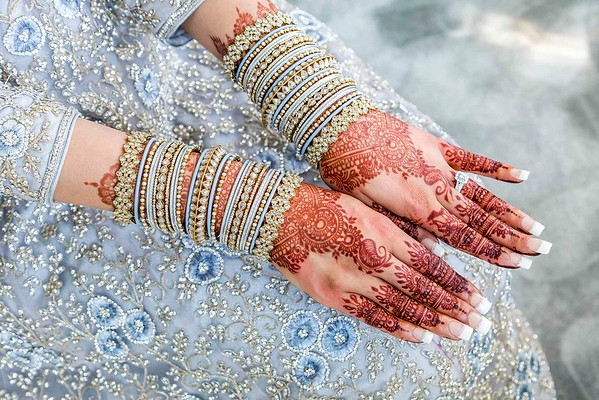 muslim bride with mehndi