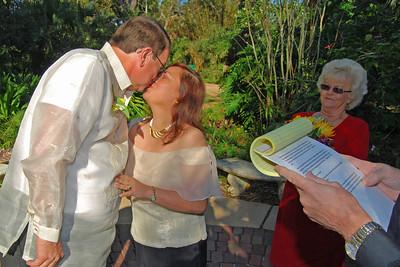 1106 Bob and Joy Wedding at Ormond Gardens