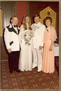 1975 6-28 The Wedding - Thomas  &  Rosemary Banakis 032b