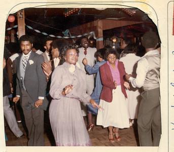 1981-3-28 Valerie and Karl 07 Parker-Hall Wedding
