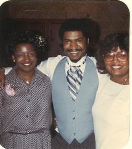 1981-3-28 Valerie and Karl 12 Parker-Hall Wedding