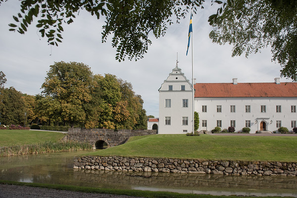 Lina & Patrik 3 oktober 2015 Ellinge slott. www.annalauridsen.com