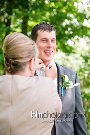 Sarah-and-Greg_Wedding_BLM-5821_08-22-15 - ©BLM Photography 2015