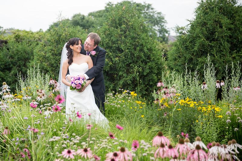 Madison; wedding; Olbrich; Botanical; Garden; gardens; flowers; portraits; photo; photography; Wisconsin; forevertron;