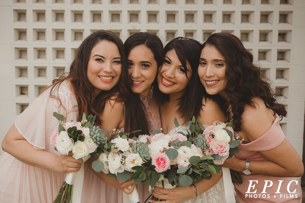 Bride and Bridesmaids group photo on the wedding day