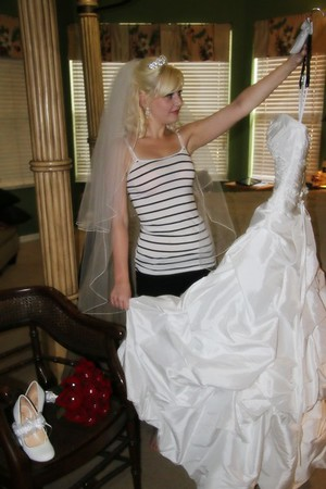 AMBER GETTING READY CATHERINE KRALIK PHOTOGRAPHY  (34)