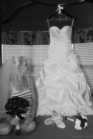 AMBER GETTING READY CATHERINE KRALIK PHOTOGRAPHY  (21)