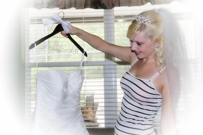 AMBER GETTING READY CATHERINE KRALIK PHOTOGRAPHY  (50)