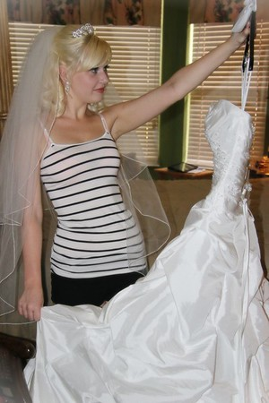 AMBER GETTING READY CATHERINE KRALIK PHOTOGRAPHY  (36)
