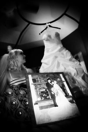 AMBER GETTING READY CATHERINE KRALIK PHOTOGRAPHY  (33)