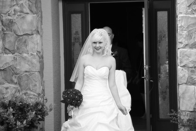 AMBER LEAVING FOR CEREMONY CATHERINE KRALIK PHOTOGRAPHY  (22)