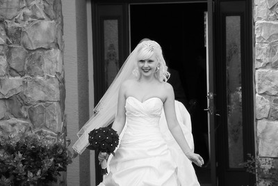 AMBER LEAVING FOR CEREMONY CATHERINE KRALIK PHOTOGRAPHY  (24)