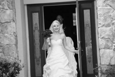AMBER LEAVING FOR CEREMONY CATHERINE KRALIK PHOTOGRAPHY  (20)