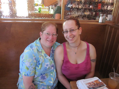 Mother-Daughter breakfast on Ahri's big day