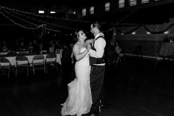 01672©ADHphotography2021--Broadfoot--Wedding--April24BW