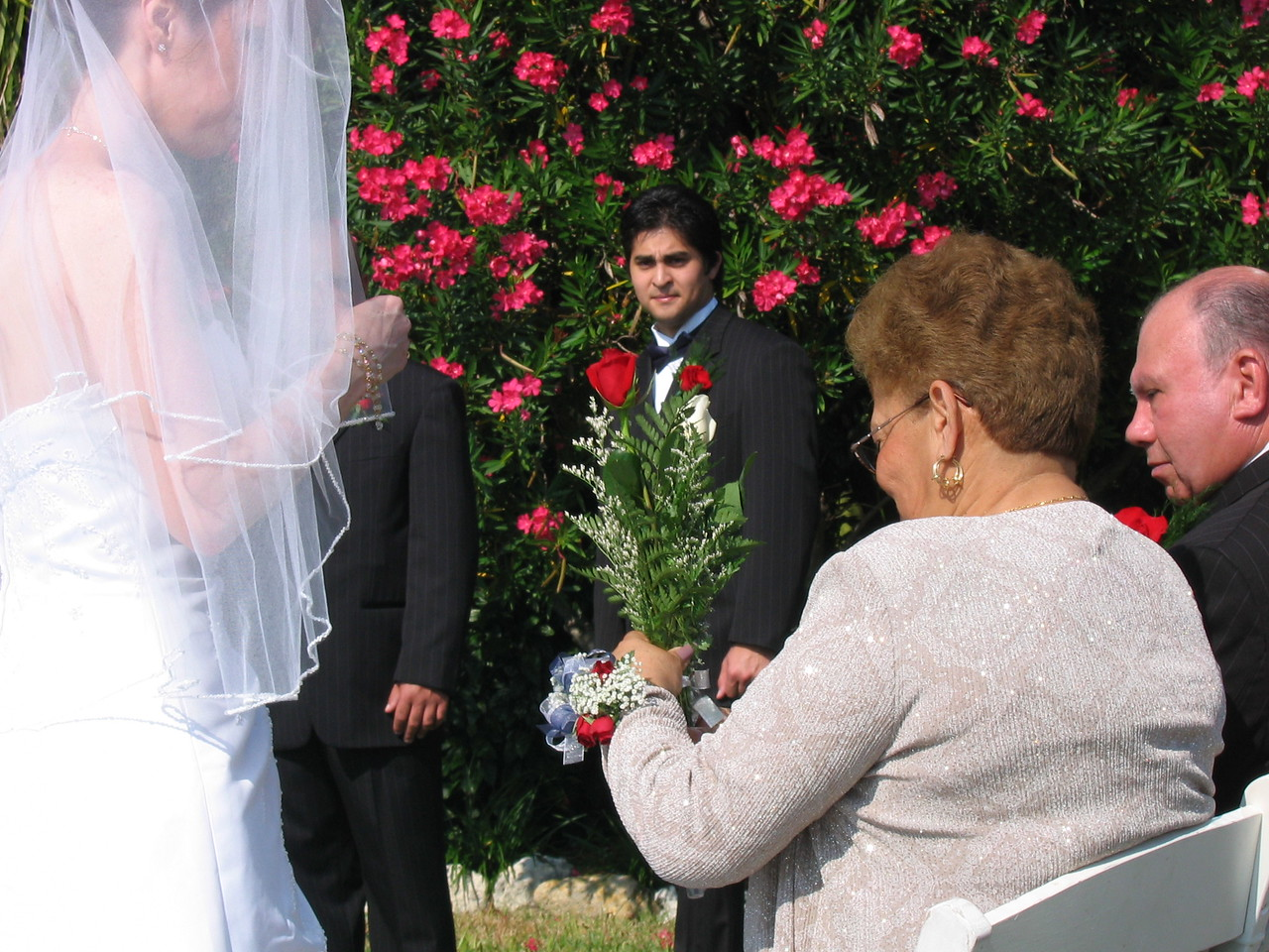 Michele gives mom her roses during the Rose ceremony.