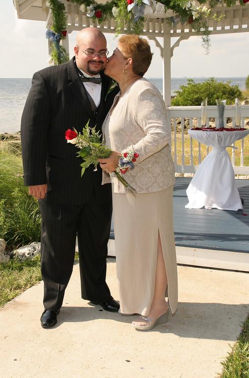 13 Wedding Poses 046